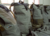 Upcycling: Waders de Pesca se Transforman en Mochilas.